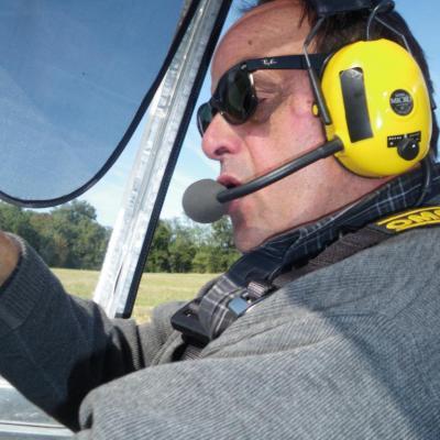 Marc, l'instructeur aux commandes